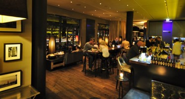 "DaCaio Bar und Campari Lounge im ""The George Hotel"""