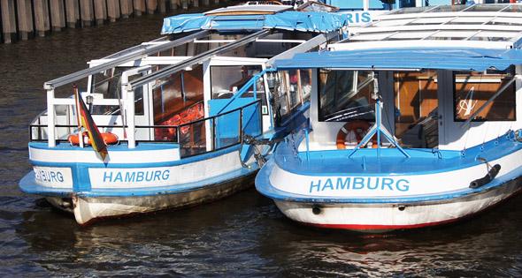 Typische Hamburger Barkassen