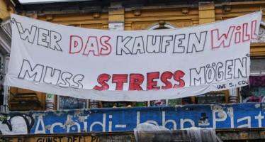 """Hamburg will die """"Rote Flora"""" für 1,1 Mio Euro zurück"""