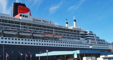 Queen Mary 2 zu Besuch im Hamburger Hafen