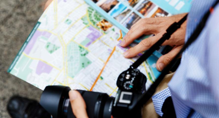 Hamburg Reiseführer – die besten Guides als Handbuch oder App