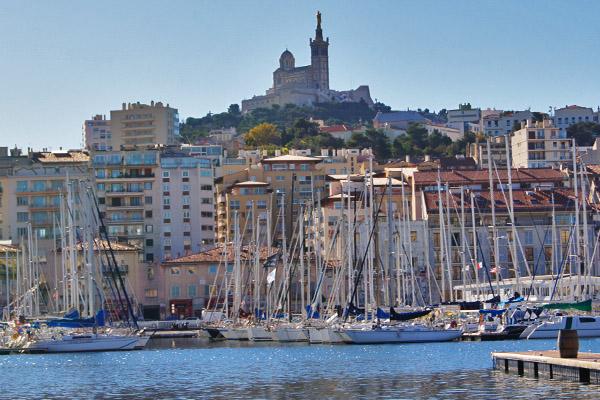 Blick auf die Notre-Dame de la Garde Marseille