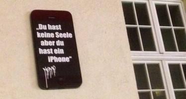 "Streetart in Altona: ""Du hast keine Seele aber du hast ein iPhone"""