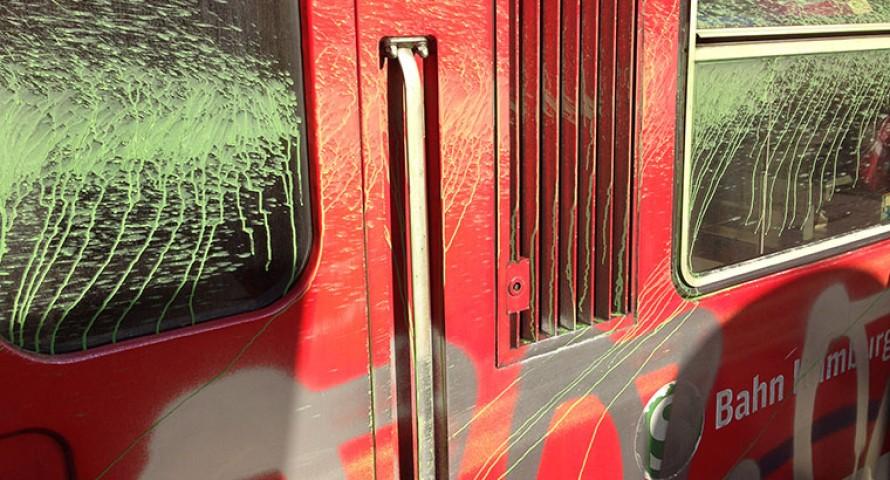 Farbanschläge auf S-Bahnen beschäftigt Bundespolizei