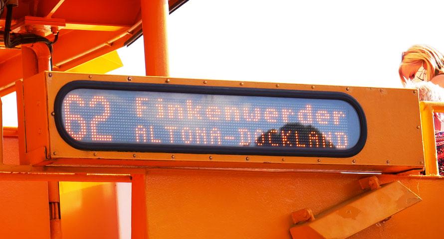 Mit der Fähre 62 zum Hamburger Elbstrand