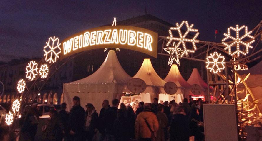 Weihnachtsmarkt Jungfernstieg: Weißer Zauber an der Alster