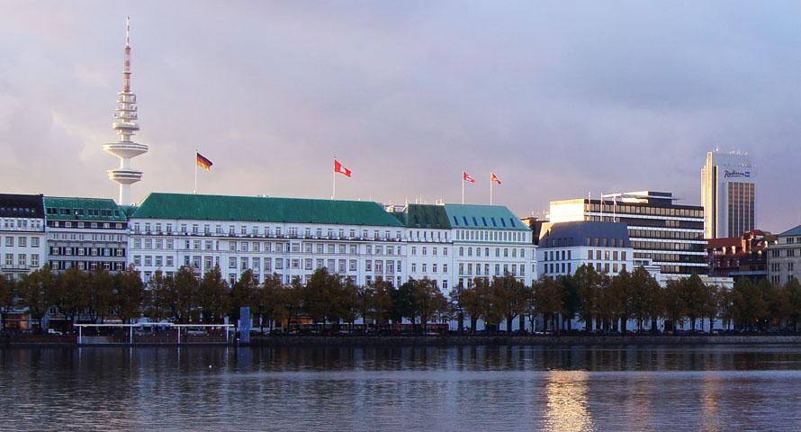 Hotel Vier Jahreszeiten: Blick über die Alster