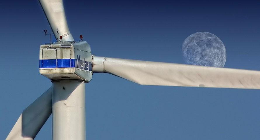 Neue Windräder für den Hamburger Hafen