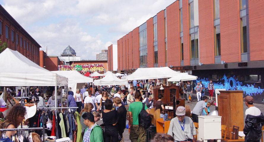 Blick auf dem Flohmarkt Sternschanze