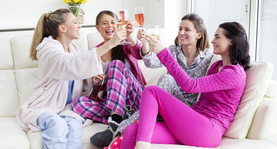 Pyjamaparty zum Junggesellinnenabschied organisieren