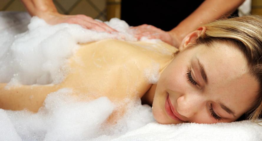 Peeling und Seifenschaum-Massage im Hamam Hamburg