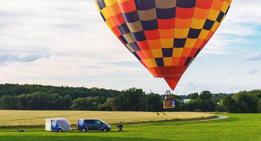 Startplatz und Landung des Heißluftballons