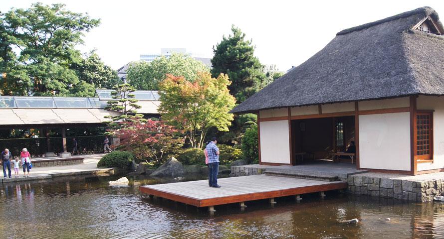 Japanisches Teehaus im Park