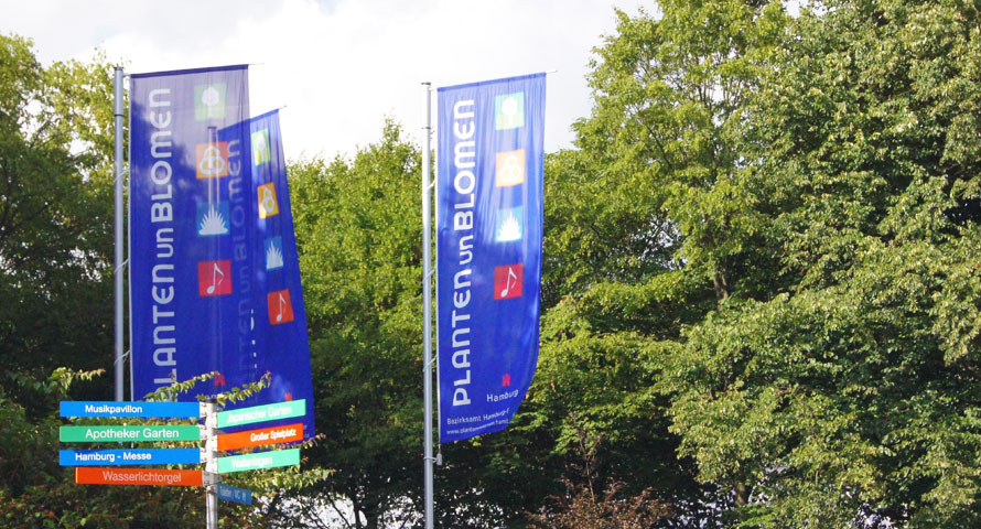 Offizielle Flaggen im Park Planten un Blomen