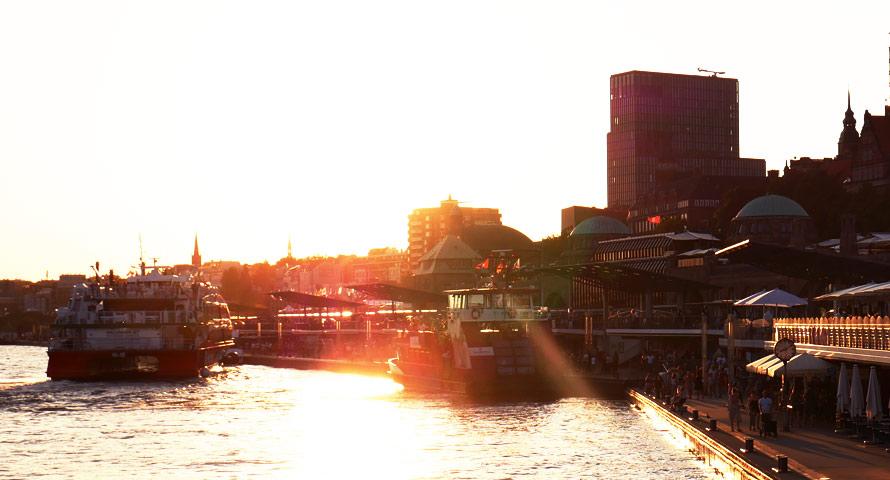 Gezeiten, Sonne- und Mondzeitentafeln von Hamburg