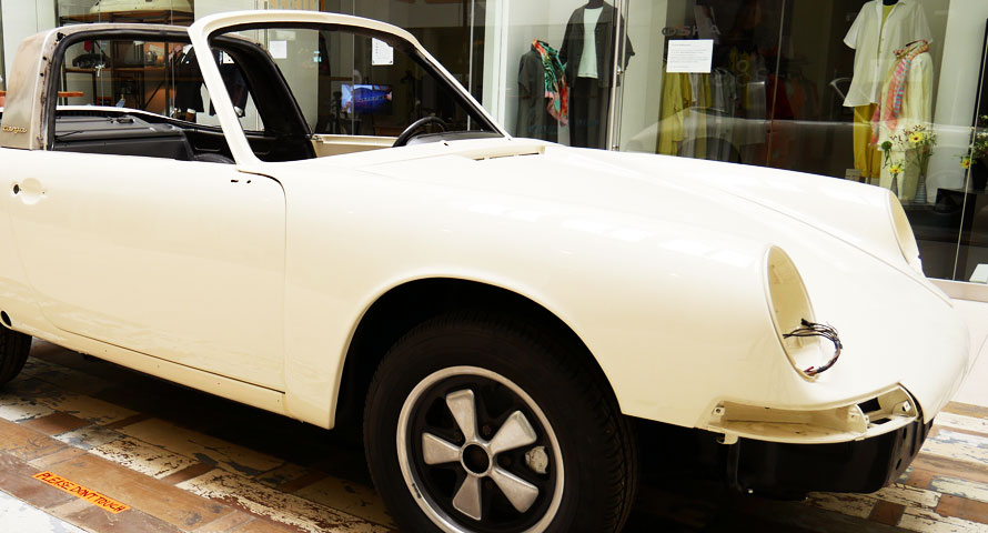 Original Porsche Karosserie als Design-Element